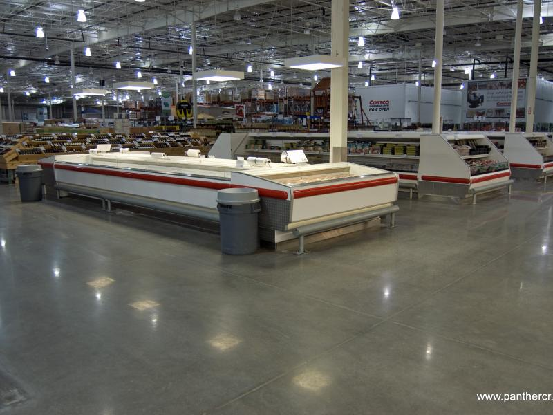 Seamless epoxy flooring header